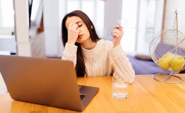 8 начина да предпазите очите си от екраните на компютъра и смартфона