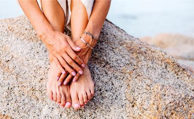 Как да се справим със загрубелите стъпала и ръце